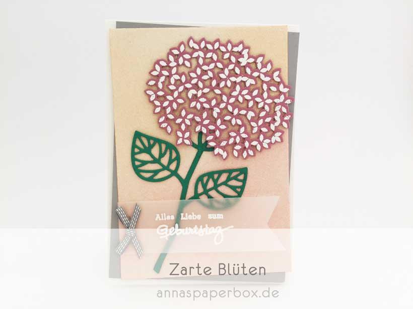 Hortensienblüte mit Wald der Worte